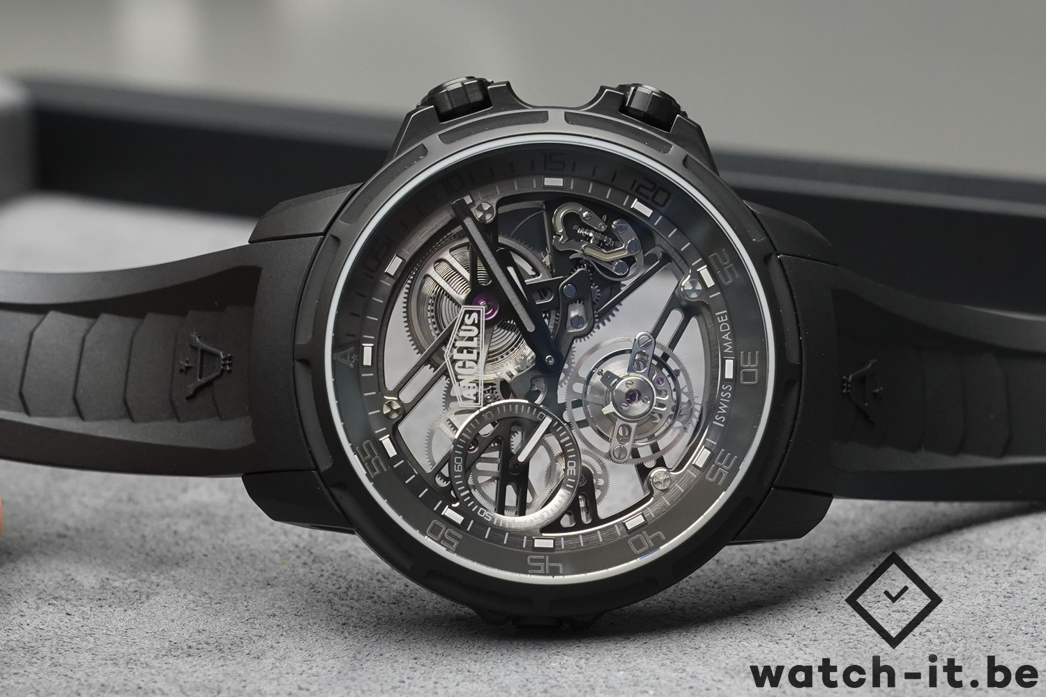 Angelus U50 Diver Tourbillon Black Edition